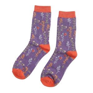 paarse bamboe sokken met bloemetjes er op