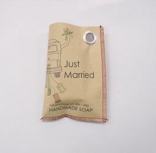 Zeep  Just Married in cadeauzakje