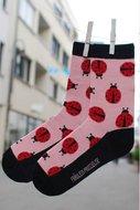 Bio-katoenen-sokken-met-lieveheersbeestjes