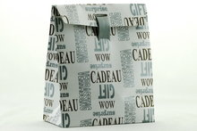 Gift-bag-met-opdruk-en-lint-klein